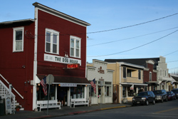 Downtown Langley is full of good restaurants, art galleries, and small boutiques.