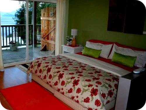 Sechelt Inn Room