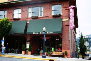 Hood River Hotel downtown Hood River Oregon