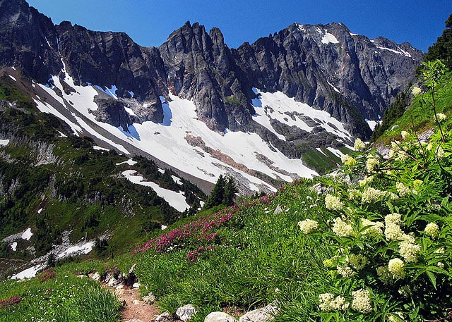 HIKE: Cascade Pass, North Cascades National Park