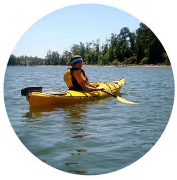 kayakingthewillamette_round