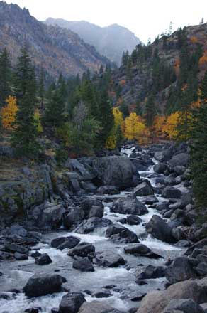 CAMP & HIKE: Icicle Creek Canyon near Leavenworth, Washington